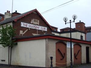 Pub, docks