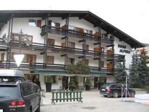 Hotel Rosa Alpina exterior