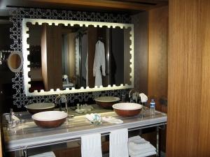 W Hotel Istanbul bathroom